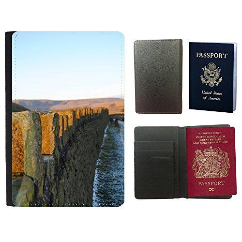 couverture-de-passeport-m00171519-pared-de-piedra-paisaje-albanileria-universal-passport-leather-cov