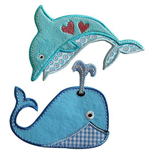 Wal 8X8Cm Dolphin 9X9Cm Balena in tessuto azzurro con fontana ricamata, e tessuto applicato bicolore azzurro e bianco, bordo di rifinitura azzurro. Delfino colorato con cuori nel centro, sfondo azzurro con ricamo di contorno e parte in del disegno con tessuto colorato ricamato sul bordo. - Delfini Croce