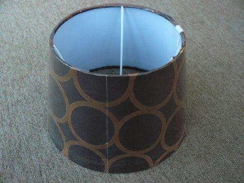 runder, konischer Schirm für mittelgroße Tischlampe mit Fassung E27, mittelbraun mit Ringkreisen in hell- bis dunkelbraun (Gemusterte Stoffschirm)