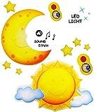 mit Sound & LED Licht __ Nachtlicht - ' lustige Sonne ' - per Fernbedienung steuerbar - dimmbar - 16 Melodien / Zirpen & Grillensound - Zeiteinstellung / Spieluhr - mit / ohne Licht - Schlummerlicht - schnell & langsam spielbar - Baby / magisches Licht - Einschlafhilfe - Nachtlampe Lampe für Kinder / Babys - mit Batterie - Beleuchtung Kinderzimmer - Wandlicht / Babyspieluhr - Sterne leuchten im Dunkeln / Wandlicht / Babyspieluhr - Sternenhimmel