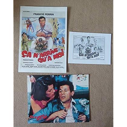 10 photos couleurs (21 cm x 27 cm) + dossier de presse + 2 affichettes de Ça n'arrive qu'à moi (1985), film de Francis Perrin avec Perrin, Genest - Bon état.