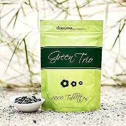 VivaNutria, 500g Green Trio Presslinge, 2000 Tabletten á 250mg, Algen Tabs, ohne Zusätze, Mix aus 100% reinem Gerstengras, Spirulina und Chlorella, aus kontrolliertem Anbau, laborgeprüft, schonende Verarbeitung mit niedrigen Temperaturen, Rohkostqualität, für Smoothies, vegan, glutenfrei