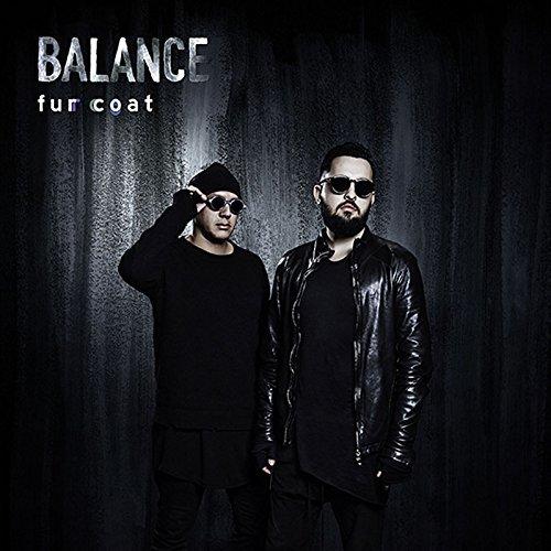 Preisvergleich Produktbild Balance Presents Fur Coat