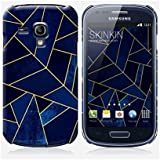 Coque Samsung Galaxy S3 mini de chez Skinkin - Design original : Blue stone with gold lines par Elisabeth Fredriksson
