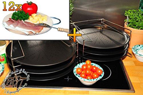6 Stk. rundes Pizzablech mit gelochtem Boden + 2x 4 stufiger Edelstahl-Pizzablechhalter, TRADITIONELL, ca. 33 cm x 1 mm & 12 mal Hochwertiges, dickes ca. 16 mm Buche - SPÜLMASCHINENFEST '*' -Picknick Grill-Holzbrett natur mit Metallhenkel, Maße rund ca. 25 cm Durchmesser als Bruschetta-Servierbrett, NEU Massive Schneidebretter, Frühstücksbretter, Brotzeitbretter, Steakteller schinkenbrett rustikal