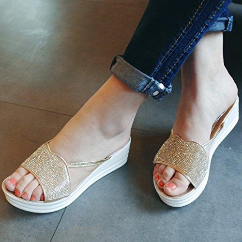 AIYOUMEI Damen Offen Keilabsatz Plateau Pantoletten mit Strass und 4cm Absatz Bequem Modern Sandalen Gold