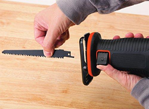 Black+Decker Li-Ion Akku-Säbelsäge, Pendelhubsäge (18V, 22 mm Hublänge, max. 110 mm Schnitttiefe, flexibler Sägeschuh, ergonomische Griffgummierung, Lieferung ohne Akku und Ladegerät) BDCR18N - 4