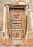 Türen  (Wandkalender immerwährend DIN A2 hoch): Türen, meist ein Unikat und stille Zeugen aus vergangenen Tagen  Monatskalender, 14 Seiten