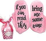 """Pinke Wein Luxus Socken """"If You can read this bring me some wine"""" mit Muffin-Geschenk-Verpackung für sie - Lustige Geschenke als Wein-Zubehör für Frauen für Wein Freundin, Weintrinker, Hauseinweihung"""
