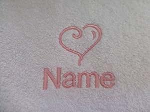 Drap de bain avec un cœur Logo et le nom de votre choix (Veuillez nous envoyer un message avec le nom requis Serviette couleur, filetage et couleur). Maximum de 10lettres pour le nom