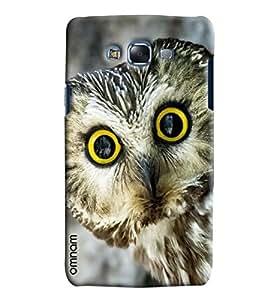 Omnam Owl Giving Closeup Printed Designer Back Cover Case For Samsung Galaxy J7
