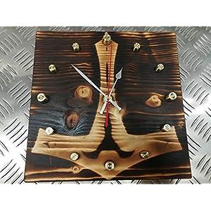 """Hammer Time"" Uhr aus Patronenhülsen mit Thors Hammer (Mjölnir) Symbol"