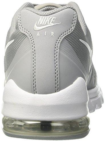 Nike Air Max Invigor, Chaussures de Running Garçon Gris (Wolf Grey/White)