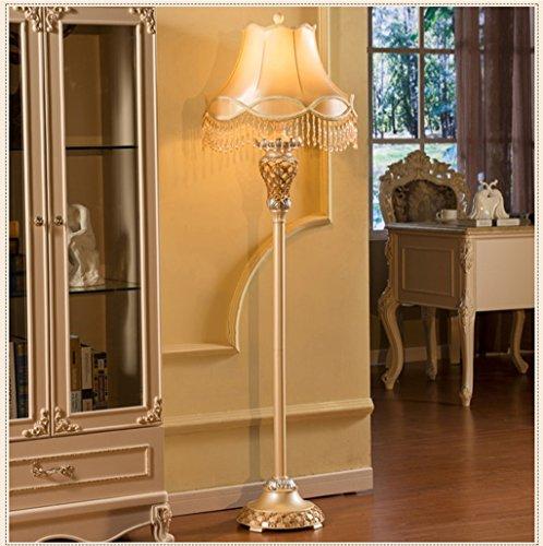 Im Europäischen Stil Luxus Wohnzimmer Stehlampe Schlafzimmer Moderne  Amerikanische Retro Mode Kreative Hochzeit Garten Stehlampe  (Energieeffizienzklasse A ...