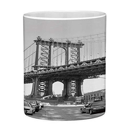 Rongpona Lustige Kaffeetasse mit Zitat-Landschafts-11-Unzen-lustiger Kaffeetasse Markstein-Brücken-Straße Brooklyns New York USA mit Auto-Foto-Schwarz-Weiß und Holzkohle-Grau -