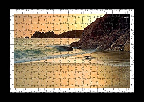 puzzle-style-vormontiert-wand-druck-von-waves-splashing-on-the-sandy-beach-by-lisa-loft