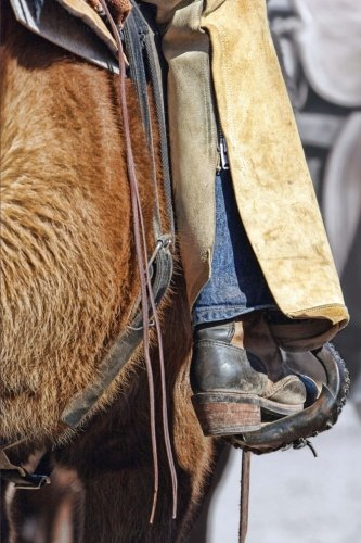 riding-the-range-cowboy-in-the-american-west-journal-150-page-lined-notebook-diary