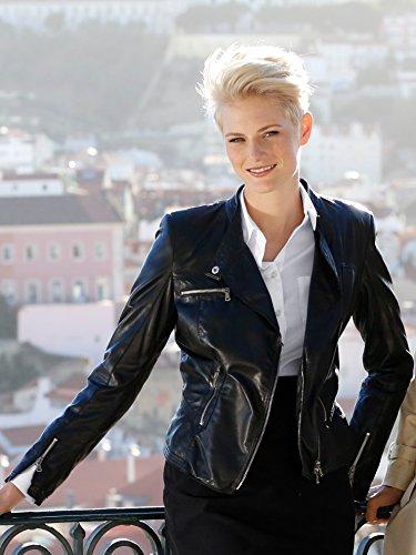Damen Lederjacke aus weichem Lammnappaleder by AMY VERMONT Schwarz