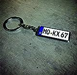 Mini Kennzeichen / Schlüsselanhänger in Hoher Qualität mit KFZ Autokennzeichen (Wunschkennzeichen - personalisiertes Schlüsselanhänger)