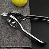 Features:This manual lemon squeezer enables you to enjoy lemon/lime juice right away.Made of rust-proof stainless steel.Long easy to use handles for great leverage.Compact and sleek design.Easy to use and clean.Description:Easy-to-squeeze handle. ...