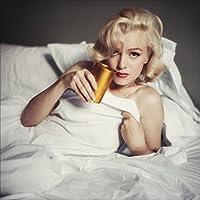 Marilyn, comme vous ne l'avez jamais vue, à l'apogée de son incomparable beauté et de sa fulgurante célébrité (1953-1957). Cet ouvrage montre la grande complicité entre l'actrice et le photographe Milton H. Greene, réputé pour ses images de mode et s...