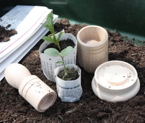 seedling-paper-potter-makes-2-sized-paper-pots