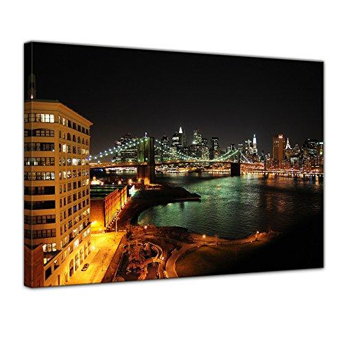 Keilrahmenbild - New York Skyline bei Nacht - Bild auf Leinwand - 120x90 cm 1 teilig - Leinwandbilder - Bilder als Leinwanddruck - Städte & Kulturen - Amerika - USA - Stadtansicht New Yorks - New River Gebäude