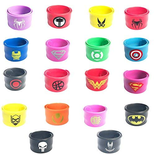 KRUCE 18 Stück Superhero Slap Armband für Kinder Jungen und Mädchen, Superhelden Birthday Party Supplies Gefälligkeiten, enthält Black Panther und Captain America Super Hero ()