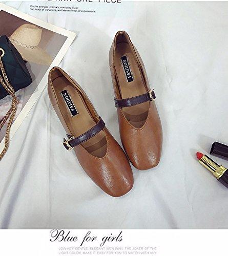 Une Version Coréenne, Le Documentaire Rétro - Chaussures Correspondent À Petite Bouche Mot Square Chaussures Bouclées, Grand - Mère Yellow brown