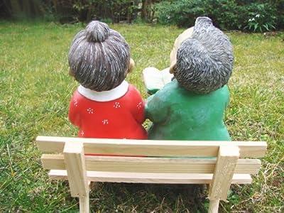 Oma und Opa auf der Bank Figur Garten von ... auf Du und dein Garten