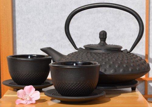 Gifts of the orient goto® servizio da tè in ghisa con tazze, piattini, teiera e sottobicchiere nero 0,8l