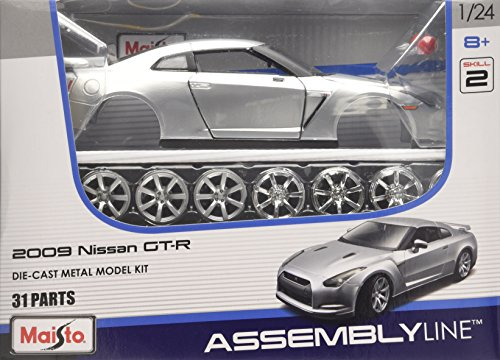Maisto Model Kit - Nissan GTR 09 Car - Maßstab 1:24 - RT39294 - Silber - FAST SHIPPING (Nissan Auto Kit Model)