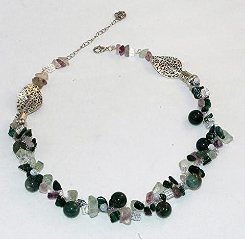 collier de perles vert crocheté