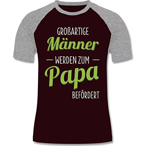 Vatertag - Großartige Männer werden zum Papa befördert - zweifarbiges Baseballshirt für Männer Burgundrot/Grau meliert