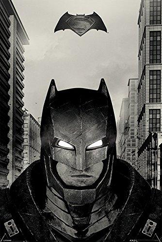 Batman V Superman Schlacht Anzug Maxi Poster, Holz, Mehrfarbig