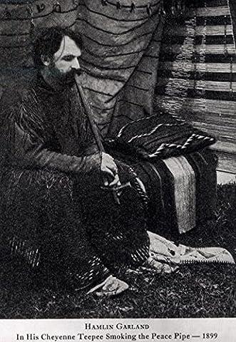 "Leinwand-Bild 80 x 120 cm: ""Hamlin Garland in his Cheyenne Teepee Smoking a Peace Pipe, from A Son of the Middle Border, 1899 (b/w photo)"", Bild auf Leinwand"