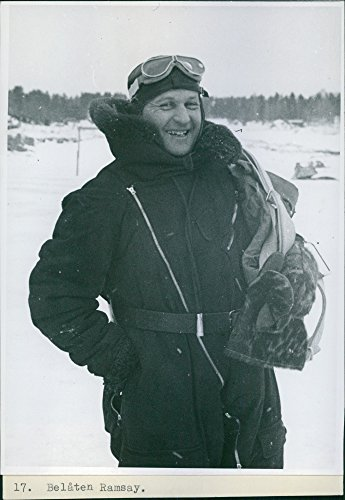 vintage-photo-de-finnish-russian-guerre-1939-40escape-flight-belaten-ramsayman-regardant-vers-lappar