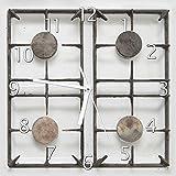 Wallario Glas-Uhr Echtglas Wanduhr Motivuhr • in Premium-Qualität • Größe: 30x30cm • Motiv: Alter Gasherd, ungeputzt und Dreckig