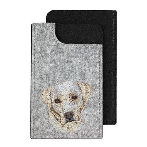 Labrador Retriever, Ein fühlte Telefon Fall mit einem gestickten Bild von einem Hund