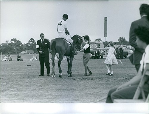 Vintage Foto del Principe Filippo Playing Polo, 1959.