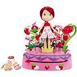 Hasbro Tarta de Fresa Moda mágica - Rueda mágica cambio de color con muñeca y dos vestidos