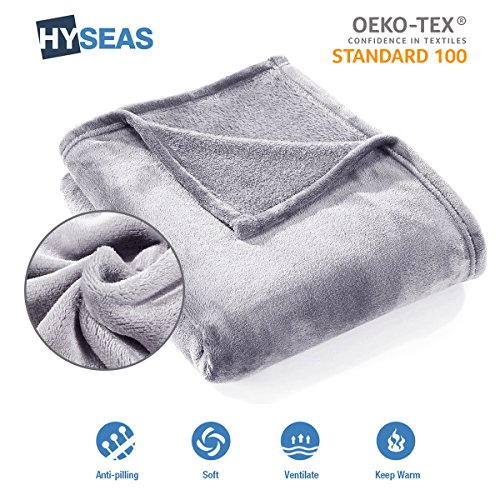 HYSEAS Coperta Morbida in Microfibra, 150x200cm Grigio Chiaro, Calda Spessa di Velluto per Divano o Letto, Anti-arrugas e Traspirante