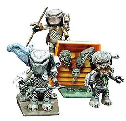 Mez-itz Predator 3 action figure set by Mezco 1