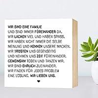 Wir sind eine Familie - einzigartiges Holzbild 15x15x2cm zum Hinstellen und Aufhängen, echter Fotodruck mit Spruch auf Holz - schwarz-weißes Wand-Bild Aufsteller Holz-Schild Wandschild Holzdeko zur Dekoration im Büro und Daheim oder als Geschenk Mitbringsel Geschenkidee zum Umzug Einzug Geburtstag Hochzeit für Freundin Mutter Schwester ... Poster Kunst-Druck Home Deko - Lebensweisheit Regeln für Zufriedenheit & Glück