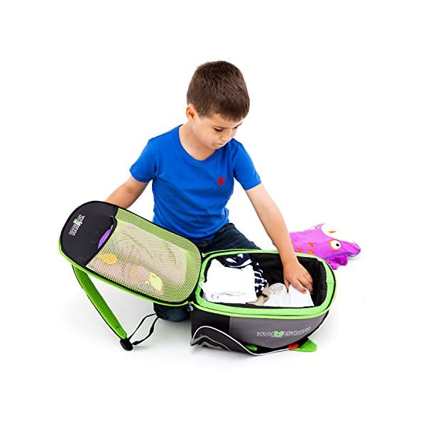 Trunki BoostApak - Travel Backpack & Child Car Booster Seat for Group 2-3 (Green)  QUICKLY TRANSFORMS – Kid's bag to portable booster cushion in seconds (featuring internal hard shell and fold out seatbelt guides) AVOID HIRE CHARGES - On fly drive holidays! Can also be used as dining, cinema or stadium booster to see the action HAND LUGGAGE - 8-litre capacity for packing toys/games/stationary keeping children entertained on the go 6