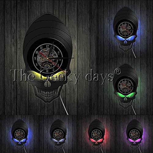 OLILEIO Dämon Alien Schädel Retro Uhr Uhr Goth Scary Wide Cheekbones Augen Skelett Vintage Vinyl Record Wanduhr Halloween Wall Deco, mit LED