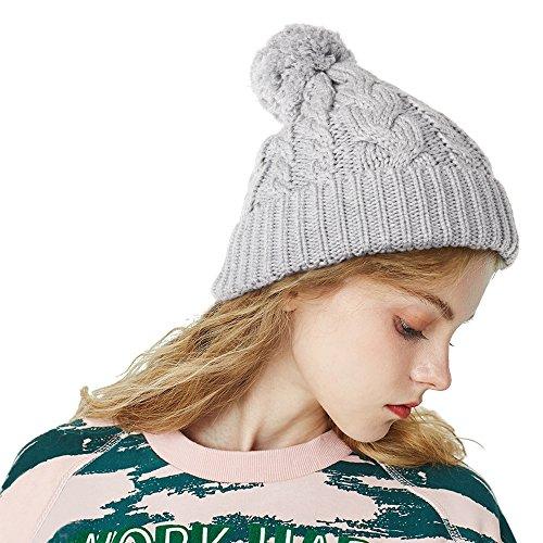 FREETOO [Bommelmütze] Strickmütze Klassische Beanie mit großem Bommel Street Style Mütze mit 3 Farbe passt jedes Outfit High Fasion Grobstrick mit Zopfmuster für Damen und Herren (Grau)