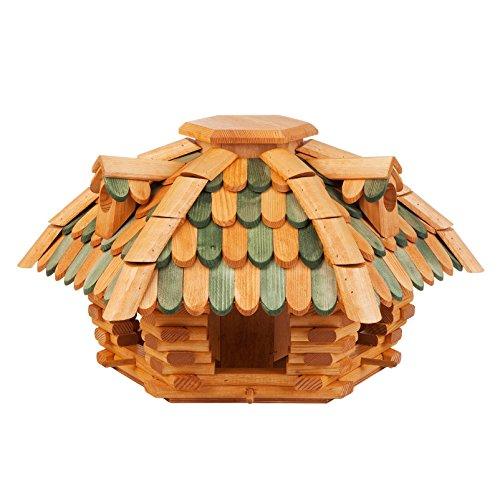 Vogelhaus im Blockhausstil - braun-grün - aus massivem Erlenholz, handimprägniert - Ø ca. 60 cm x Höhe 36 cm - Pavillondach in Schindeloptik mit 3 Gauben - Kölle