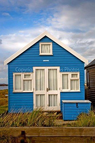 ein 30,5 x 45,7 cm Hochwertiger Fotodruck einer Strandhütte Mudeford hengistbury Kopf der Nähe Christchurch Bournemouth England Dorset UK Hochformat Foto Farbe Bild Art Print
