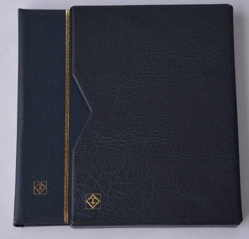 Preisvergleich Produktbild Goldhahn Leuchtturm Premium 64 schwarze Seiten A4 Briefmarkenalbum Einsteckbuch wattierter Ledereinband blau mit Schutzkassette Briefmarken für Sammler